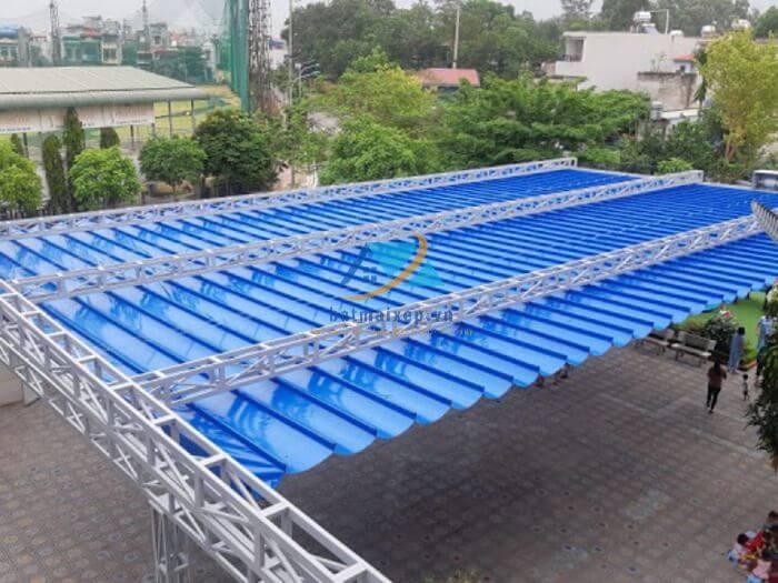 Mái xếp di động cho sân chơi rộng